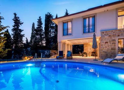 Villa Triptih